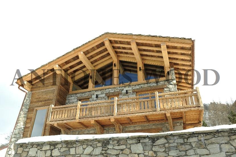 Chalet en vieux bois for Construction chalet bois prix